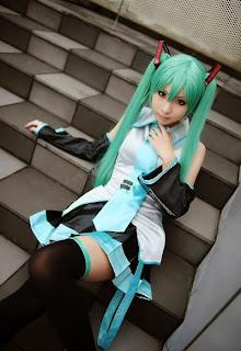 Vocaloid Hatsune Miku cosplay by Kanda Midori