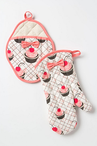 Baker's Delight Potholders - Microwave Gloves with Bows and Cupcake Prints
