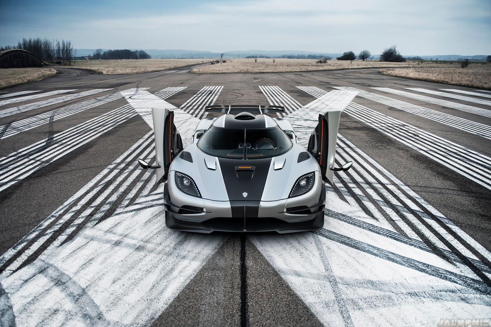 Koenigsegg One:1 - Siêu xe thách thức mọi kỷ lục về tốc độ
