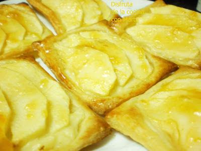 Hojaldres de crema y manzana