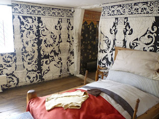 K Williams Stratford Upon Avon Williams Bedroom* (*surmising) As it's a Heritage site and museum ...