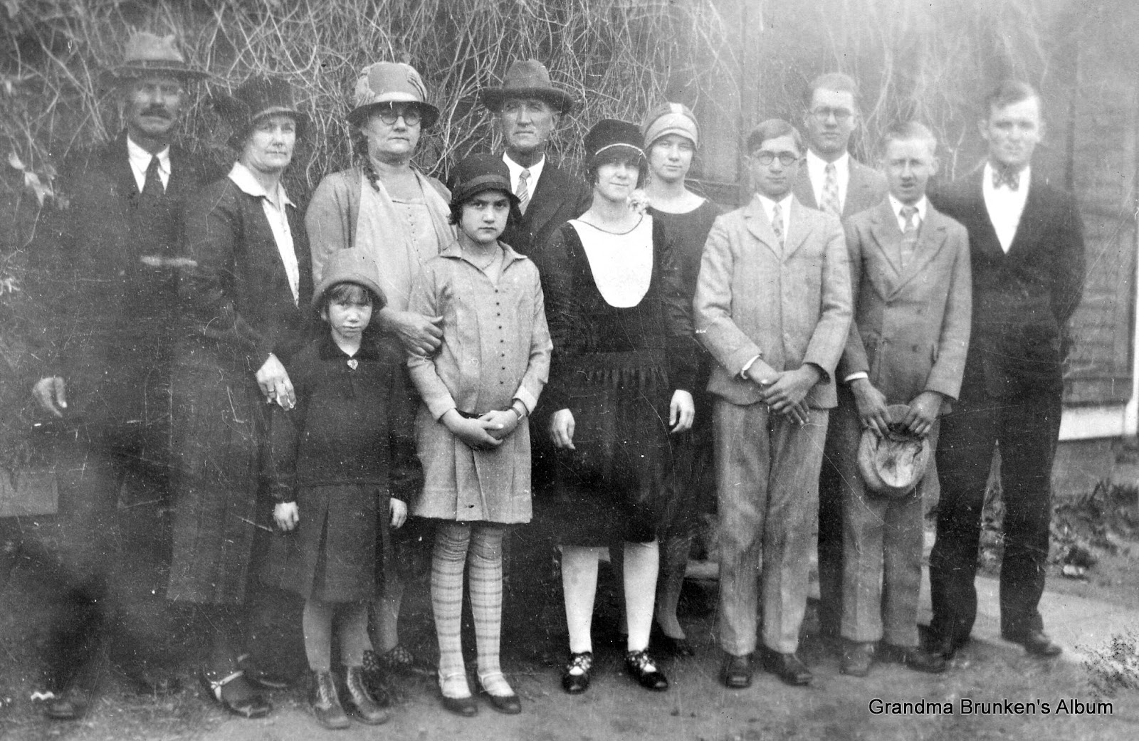 Arndt and Brunken Families - 1927