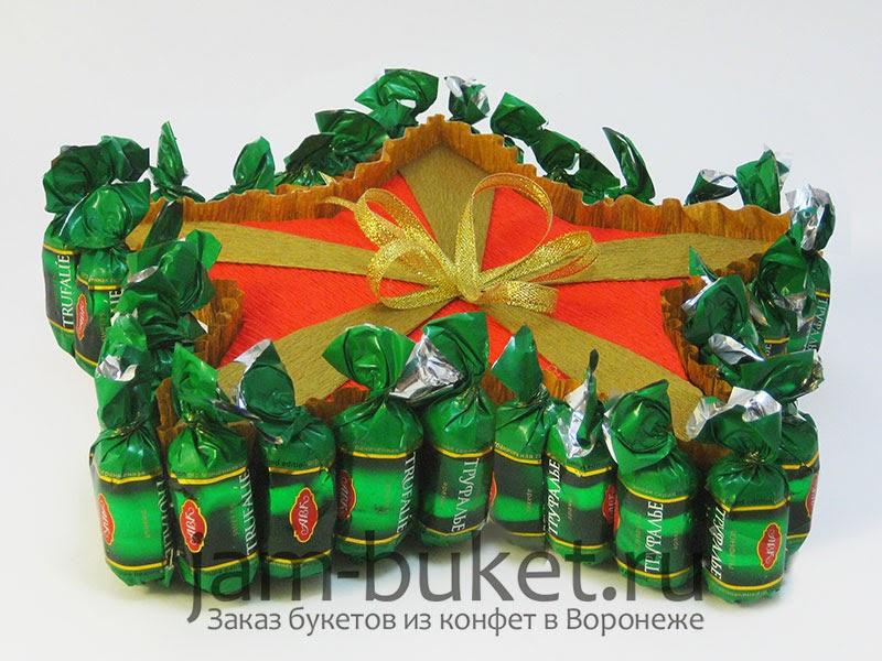 Подарки из конфет на 23 февраля своими руками фото