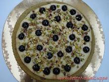 Torta soffice ai pistacchi, crema e amarene