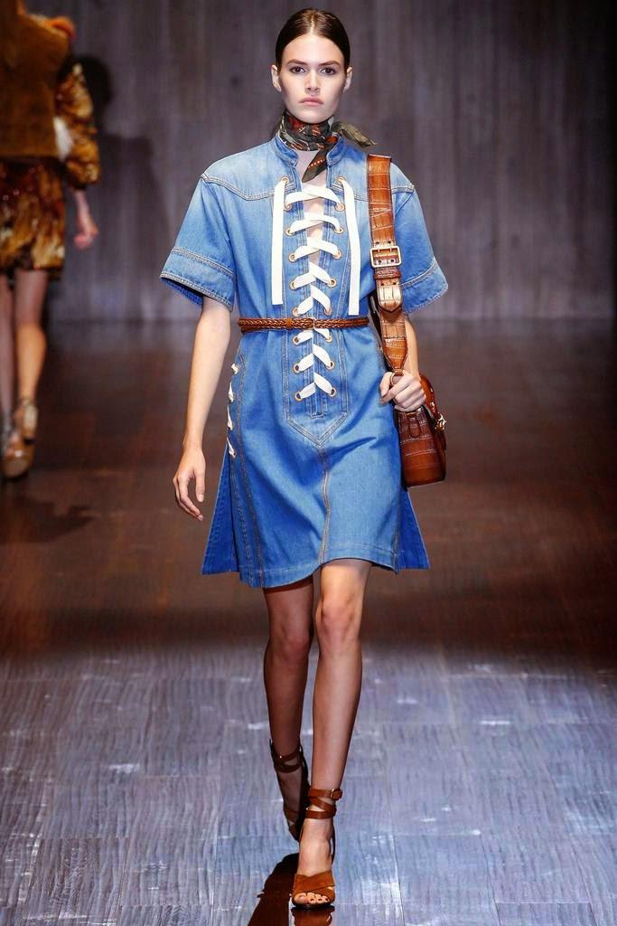 Gucci vestido vaquero con cordones SS 2015