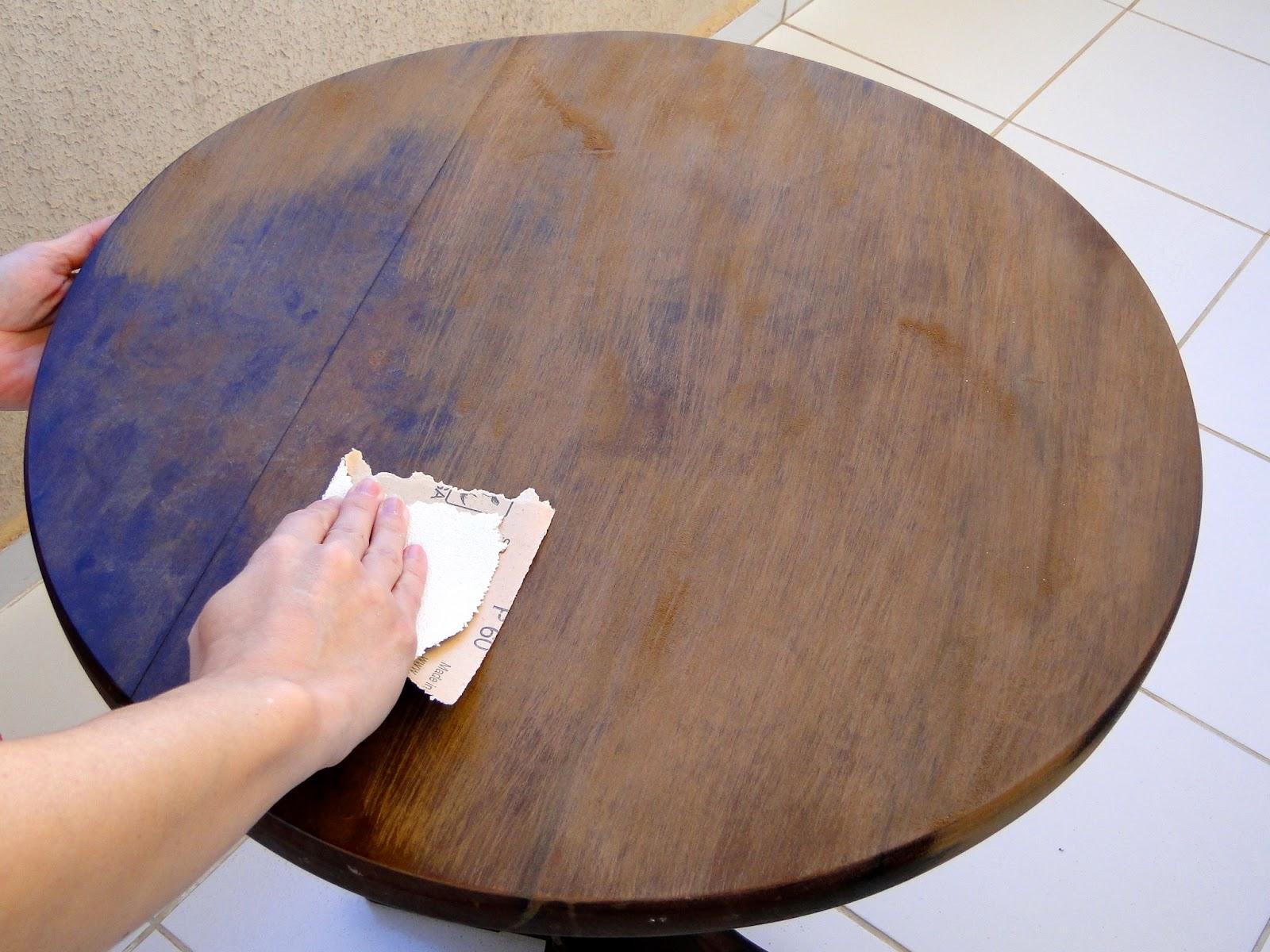 essa mesinha de madeira há muitos anos ficava no meu quarto de  #6E4830 1600x1200