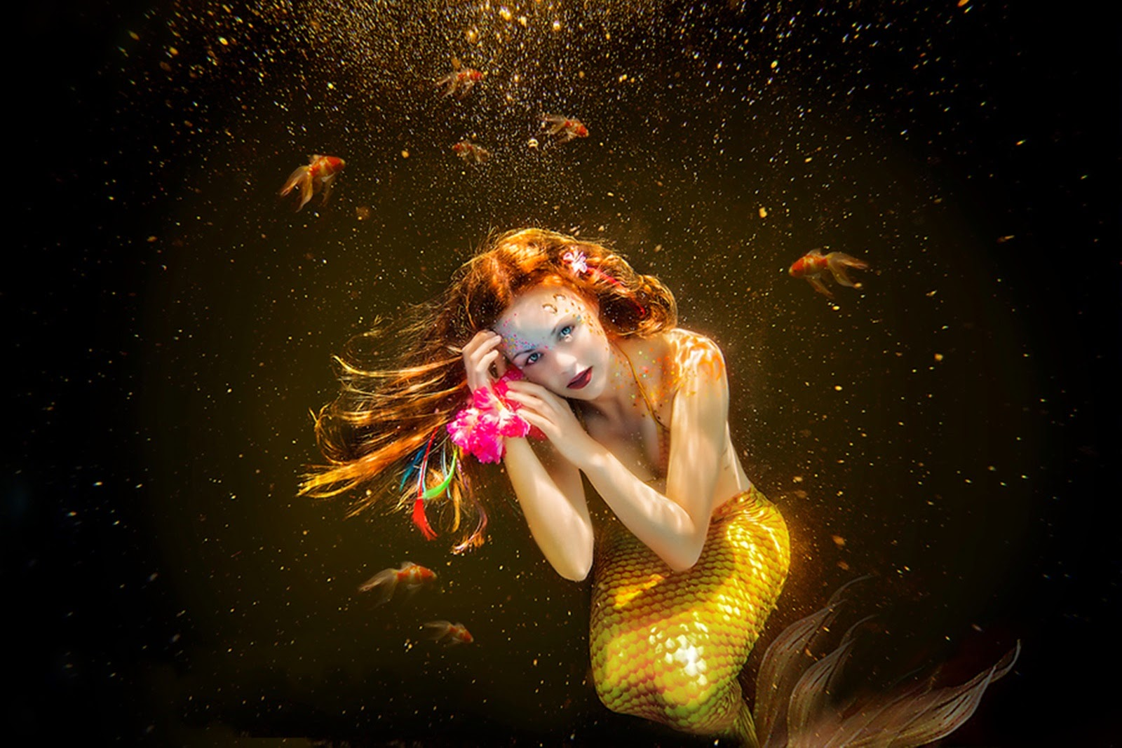 mermaid-photoshoot-underwater-golden-theme-fish-bubbles-1600x1067.jpg