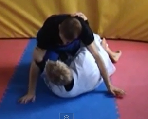 BJJ / Grappling tips: the Half-Guard. How to avoid getting crushed.