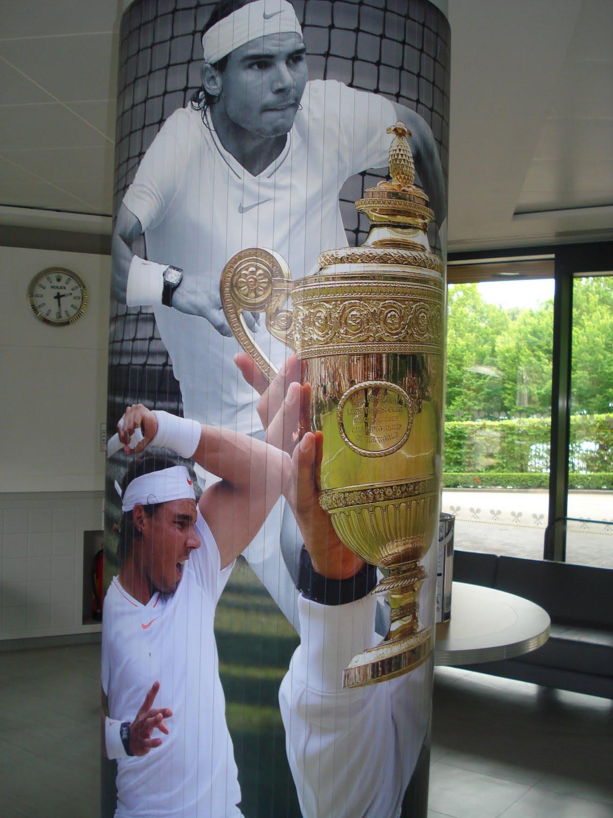 http://1.bp.blogspot.com/-uA4LVX91-o4/ThDQgszHHpI/AAAAAAAAAoE/6TMKhSE4MKc/s1600/Wimbledon%2Btour%2B057.JPG