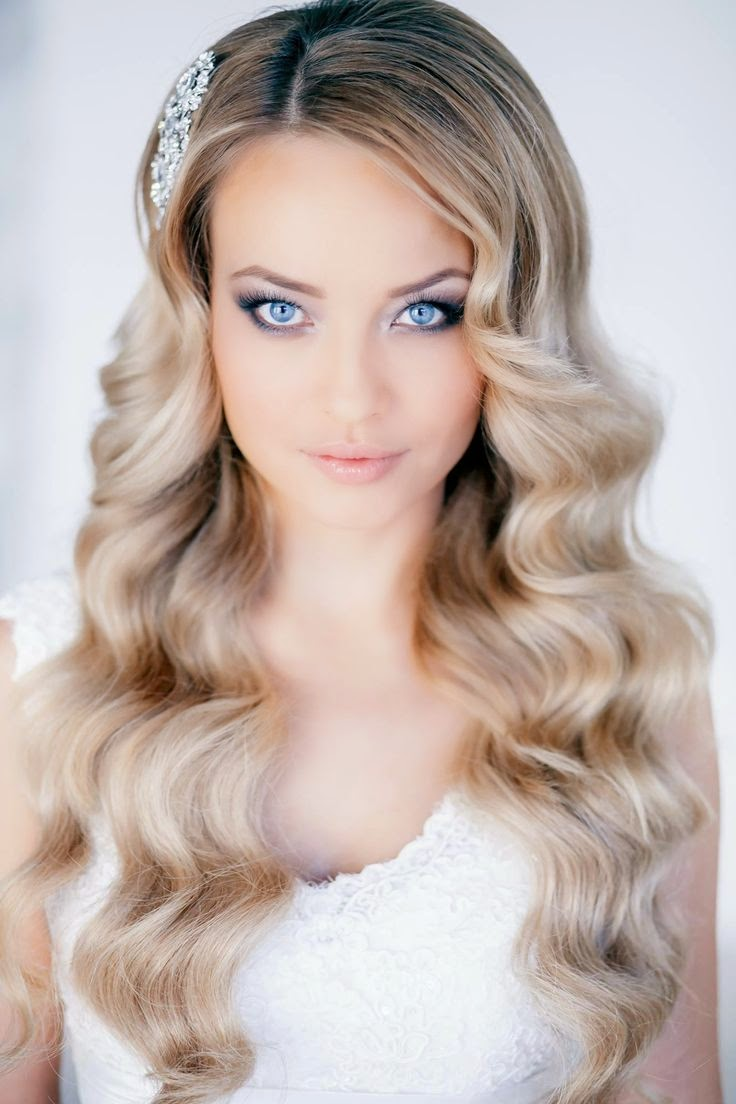 Romantik Uzun Saç Modelleri