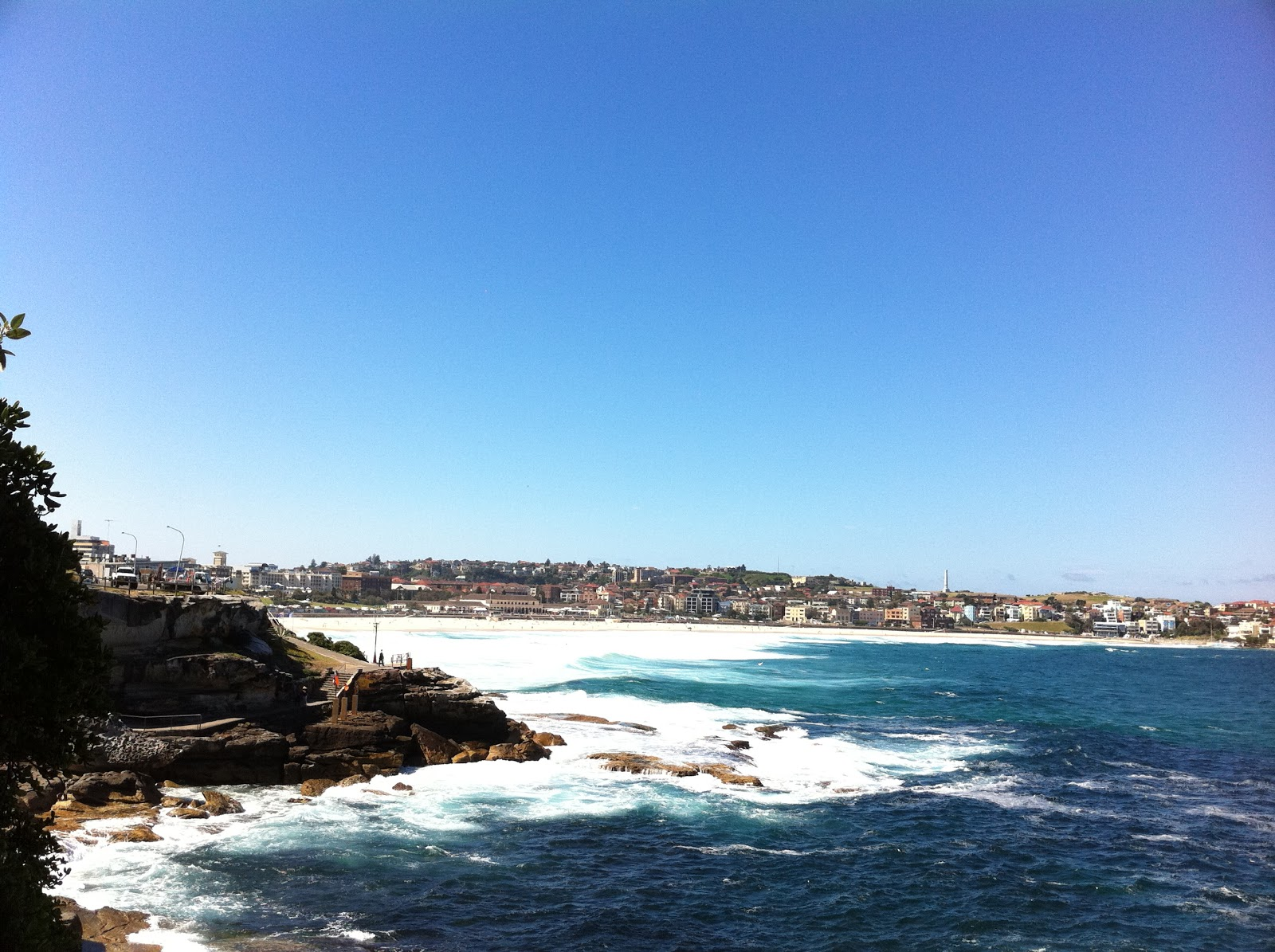 how to go to bondi beach from town hall