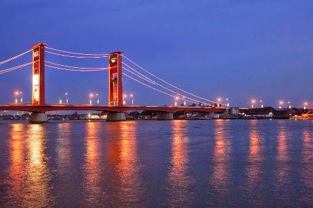 Gambar jembatan ampera yang menjadi wisata favorit di palembang