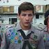 Como Sobreviver a um Ataque Zumbi | Trailer legendado da comédia de terror