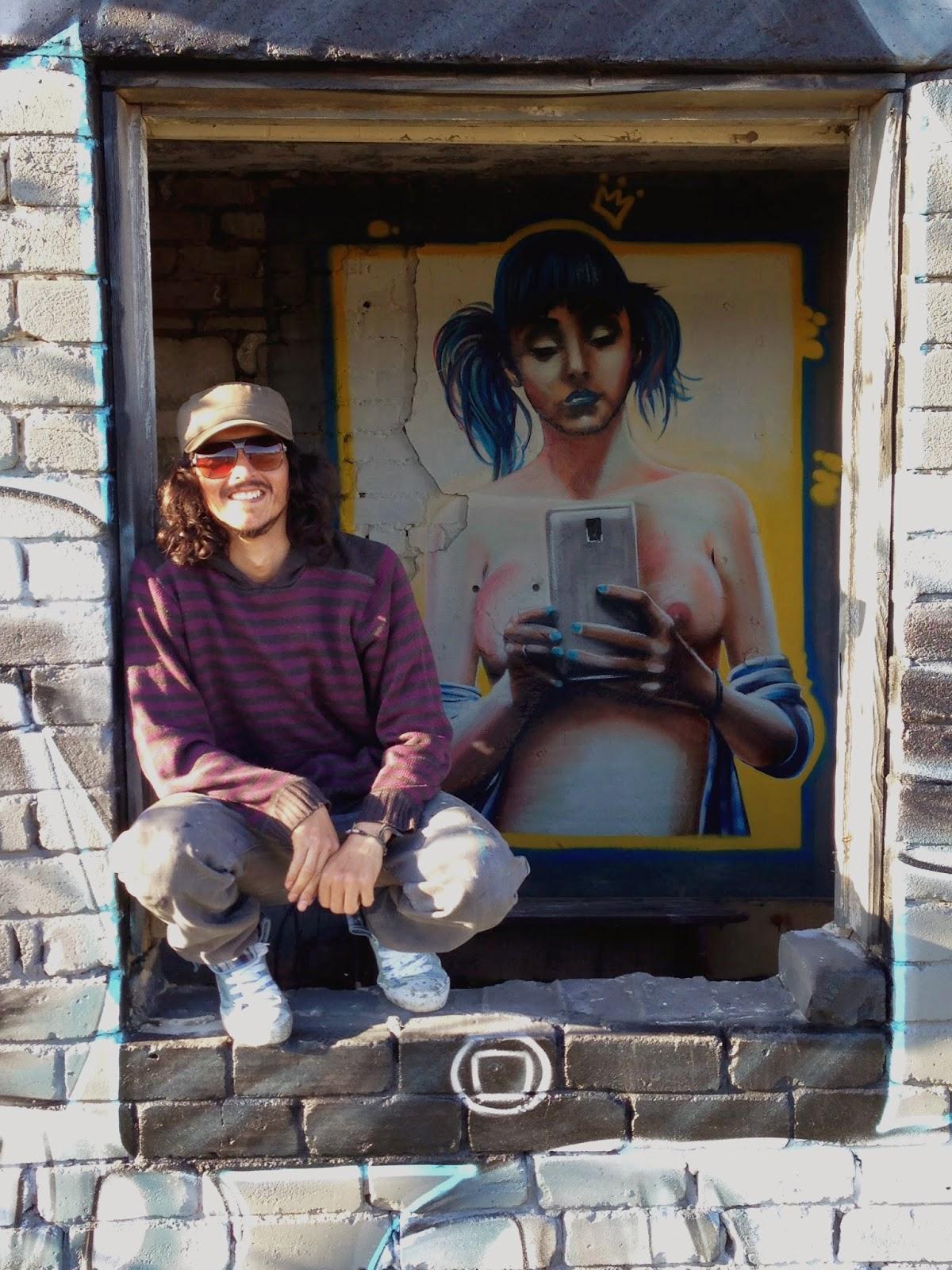 street art, street art estonia, street art chile, sketch, graffiti, mural, like or die, izak, izak one
