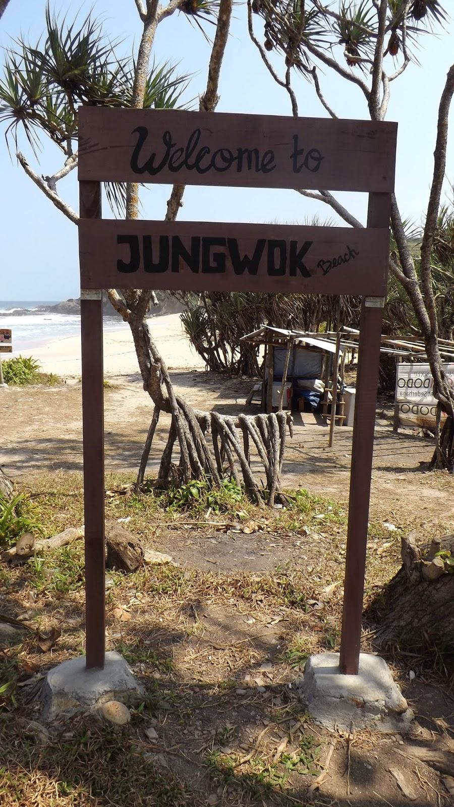 Fasiltas di Pantai Jungwok Gunung Kidul Yogyakarta