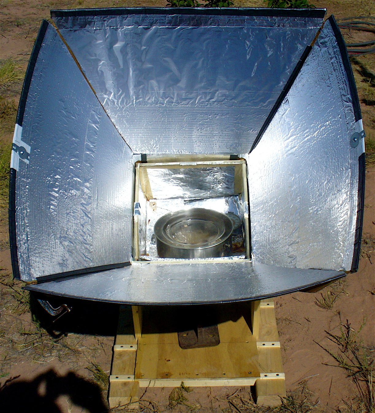 solar oven Discover the theories and principles as to why and how solar cooking really works.