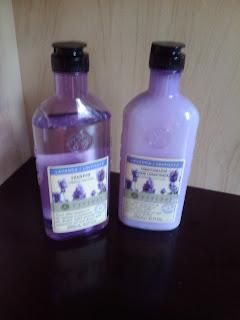 shampu  e condicionador da vyvedas