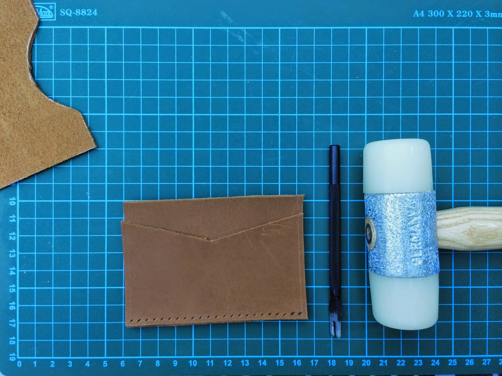 of reveries: DIY / Minimalist Cardholder