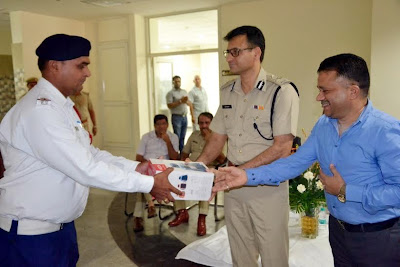 Nature International helps Traffic Police of Gurgaon to beat the heat