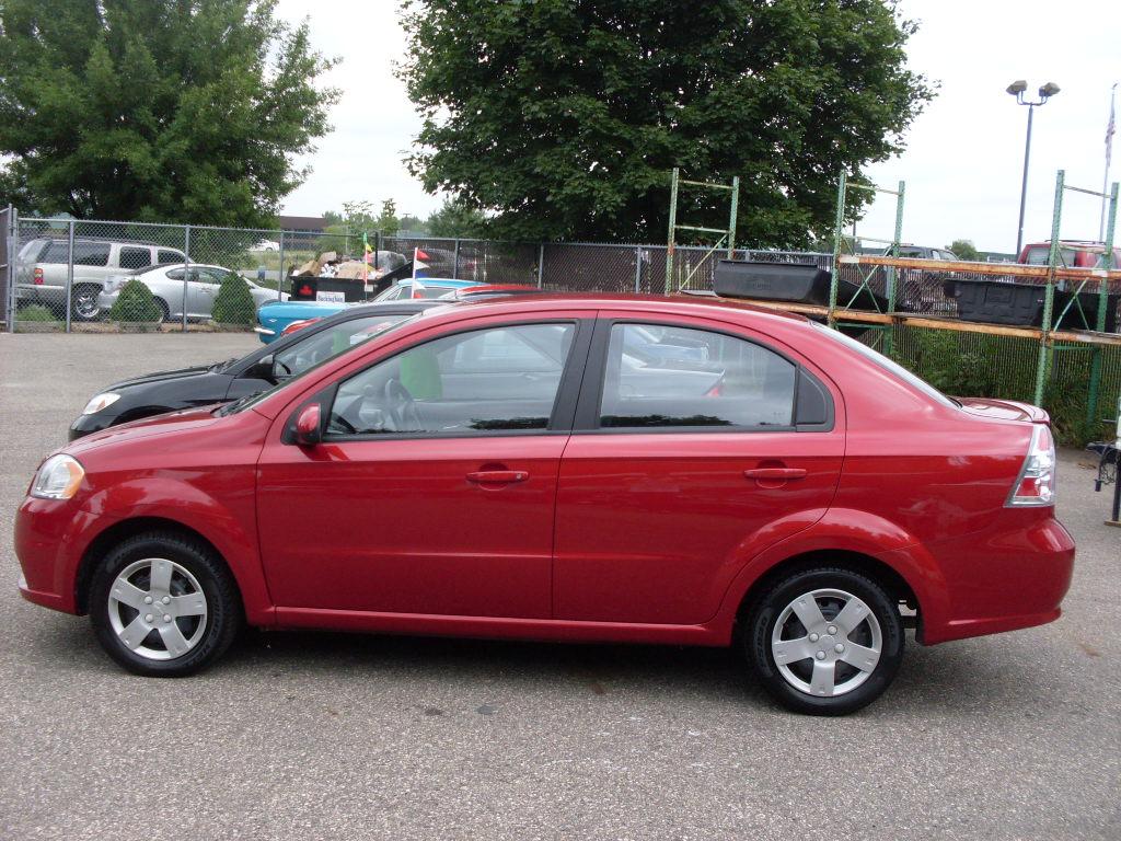 Ride Auto 2010 Chevrolet Aveo Red