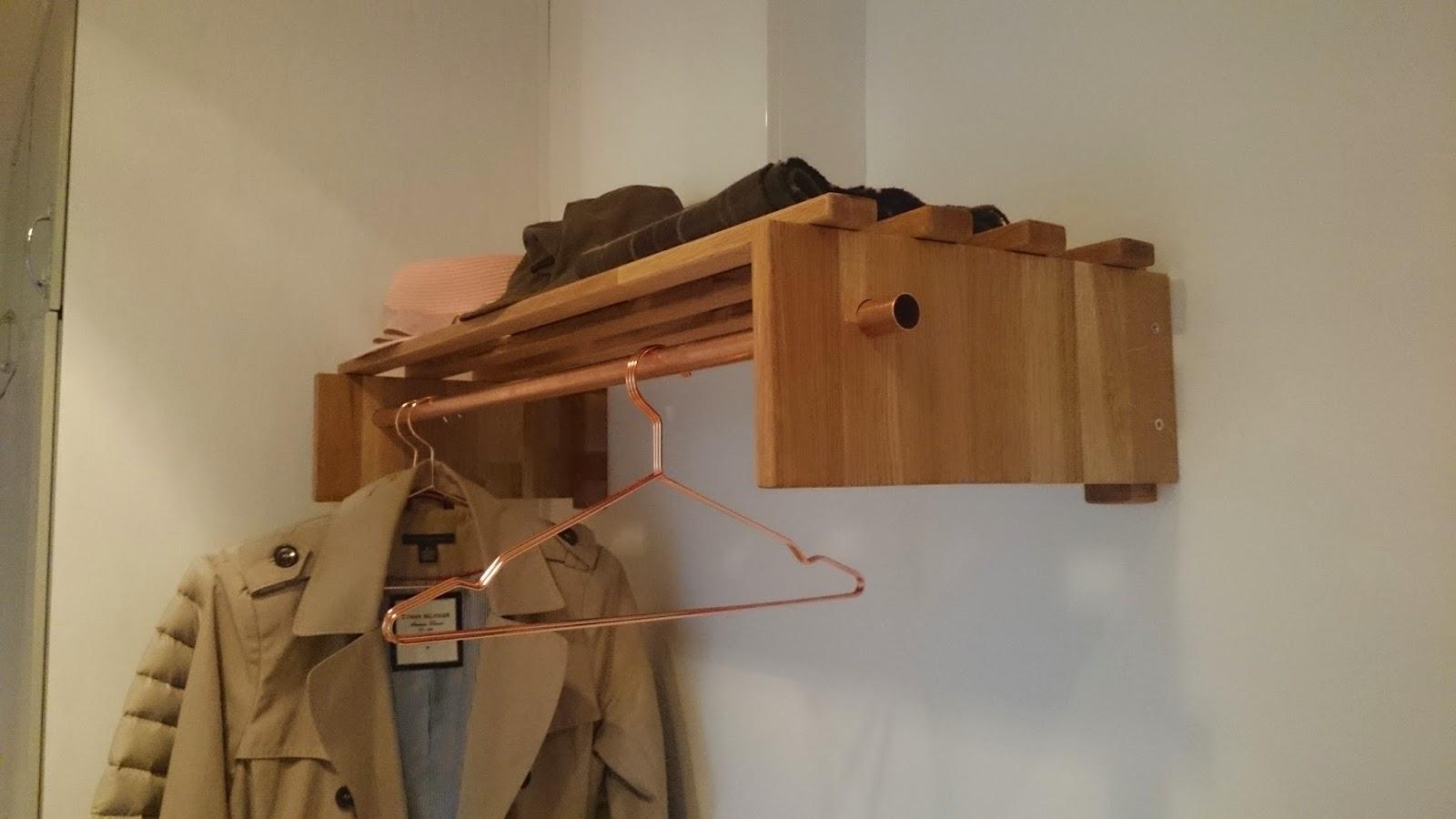 Släng dig i väggen, Ernst! Bygg en hatthylla i ek och koppar