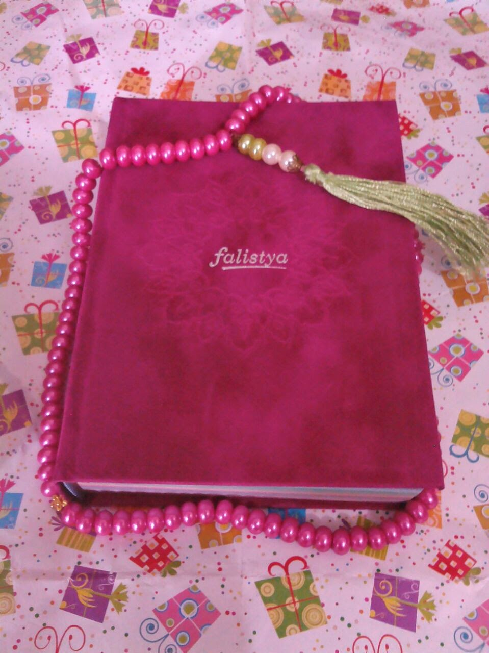 new rainbow quran, new rainbow quran colour, new quran rainbow, most favourit colour of rainbow quran, new rainbow quran fuschia, new rainbow quran magenta