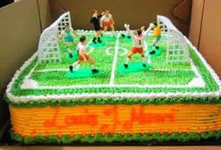 Contoh Kue Ulang Tahun Anak Laki-Laki Tema Lapangan Bola Kaki