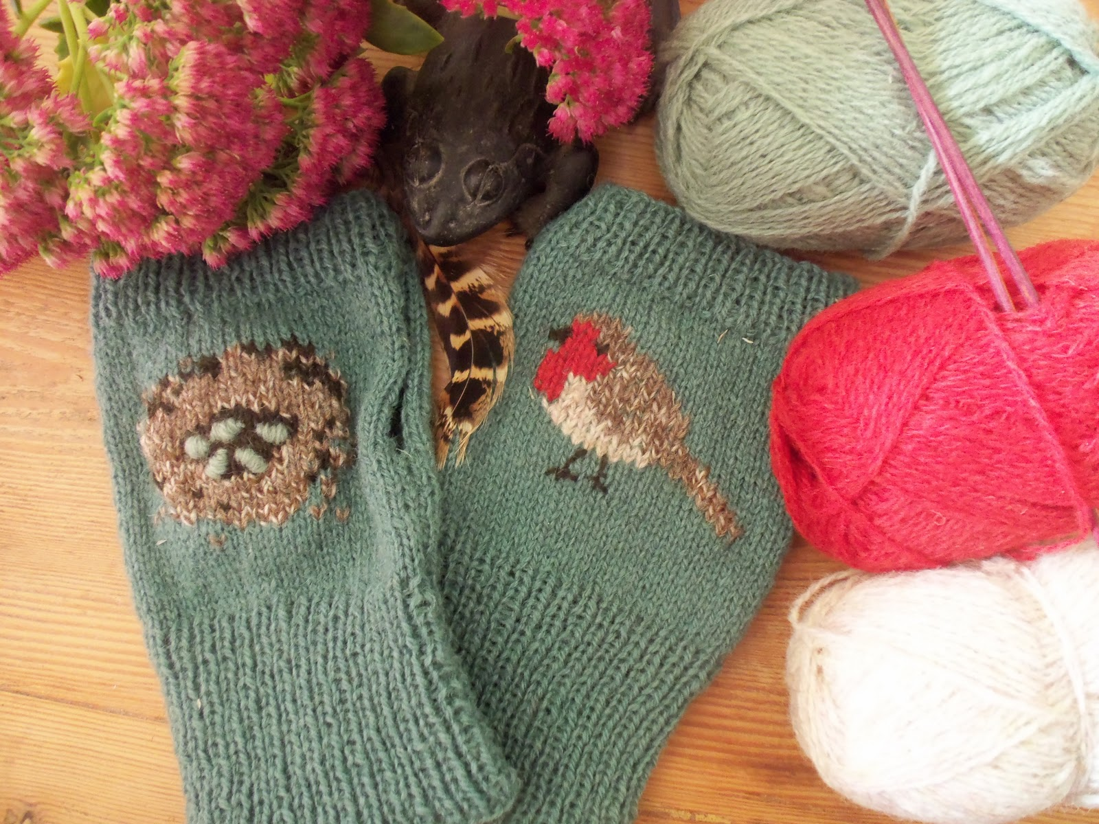 Knitting Pattern Robin Free : Back to normal and robin mittens for me!