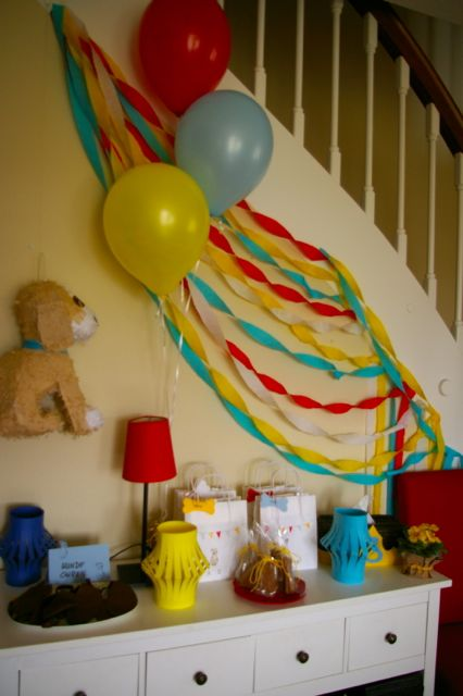 Colorful Wall Decoration With Balloons Ideas - Wall Art Design ...