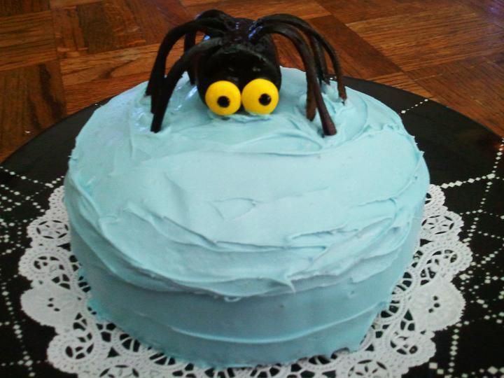Priscilla Burris Itsy Bitsy Spider Cake Art