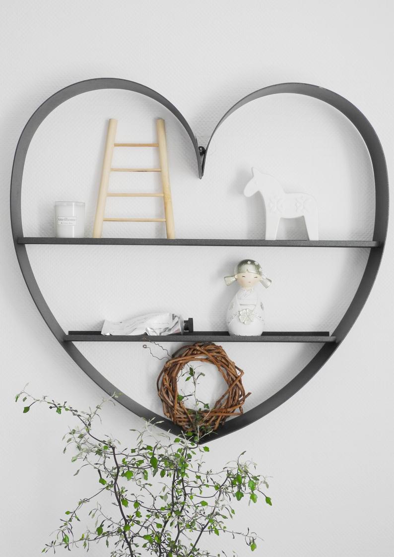 Półka w kształcie serca z grafitowego metalu