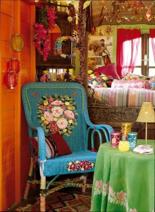 This Traditional Bohemian Bedroomdesign Is All About Color And