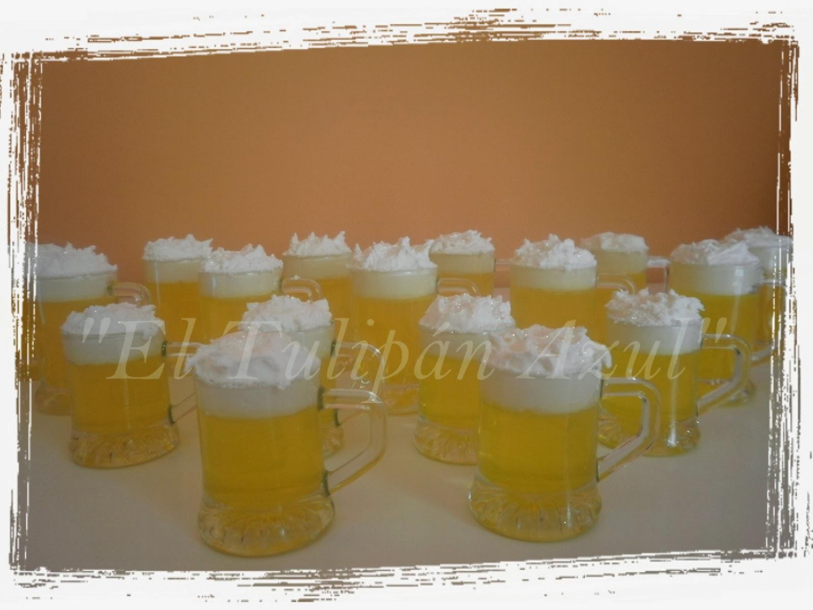 Jarritas de Cerveza de Jabón y Frosting Espumoso