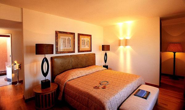 ide interior desain kamar tidur utama elegan