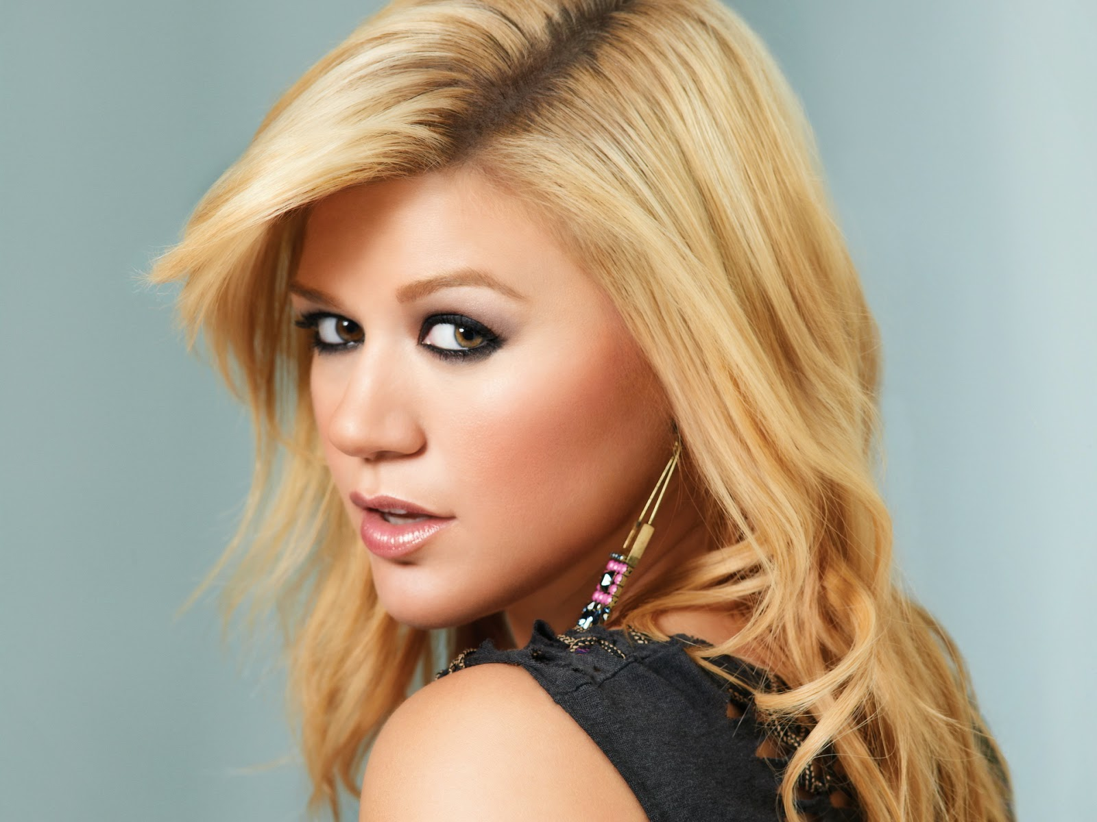 celebrity hd wallpapers  u2014 kelly clarkson latest hd