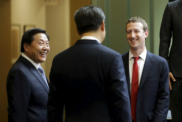 News Of The World - Xi Jinping em um bate-papo em chinês com Mark Zuckerberg