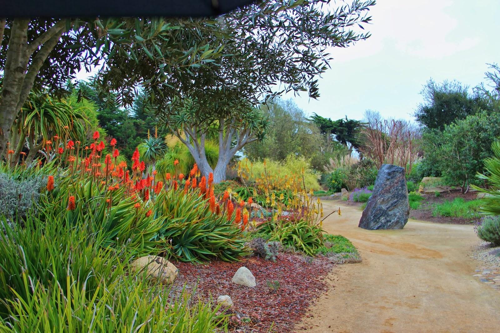 A Very Good Life Santa Barbara GWA Tour 5 Seaside Gardens