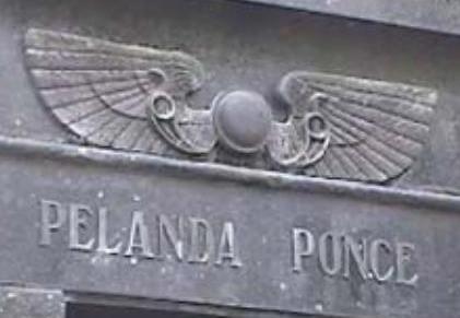 Símbolos masónicos en el cementerio de La Plata