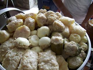 Makanan Khas Indonesia Menggunakan Bumbu Kacang - siomay