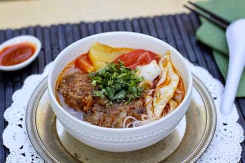 Vietnamese Noodle Recipes - Bún Mực