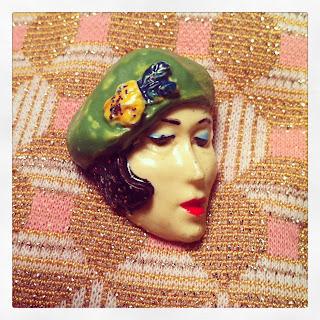Marshmallow Electra vintage brosch