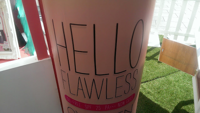 A Hello Flawless banner
