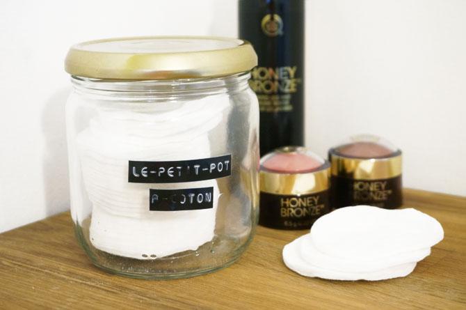 DIY étiqueteuse : pot à coton pour décorer la salle de bain