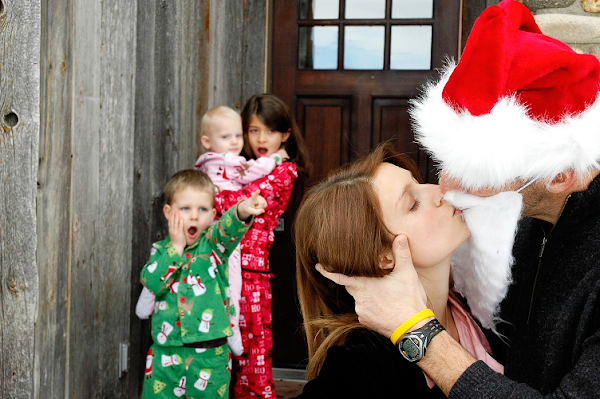 I Saw Mommy Kissing Santa Claus - Official Website - BenjaminMadeira