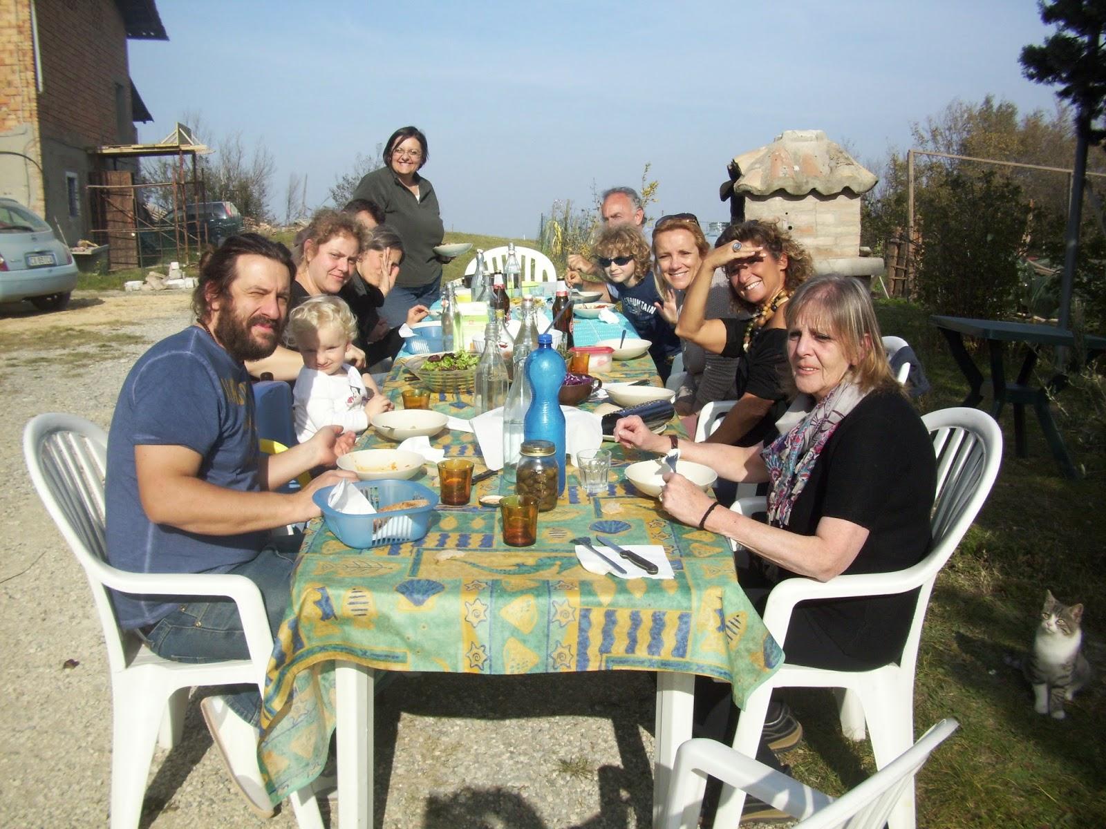 Foto di gruppo della tavolata all'Open Day