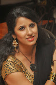 Sravya reddy sizzling saree photos-thumbnail-13