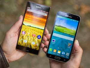 Sony Xperia Z3 dengan Samsung Galaxy S5