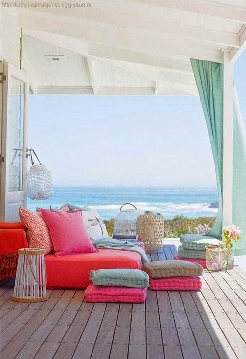http://designed-forlife.com/post/64374189028/beach-house
