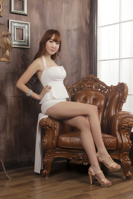 Yoon Seul Sexy in Mini Dress