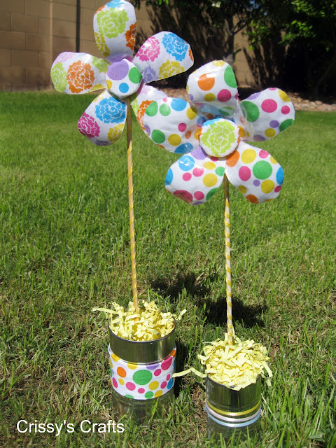 Fun for kids finds easy colorful recycled flower for Easy recycled materials